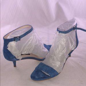 Nine West 7 m Leisa Two-Piece Kitten-Heel Sandals